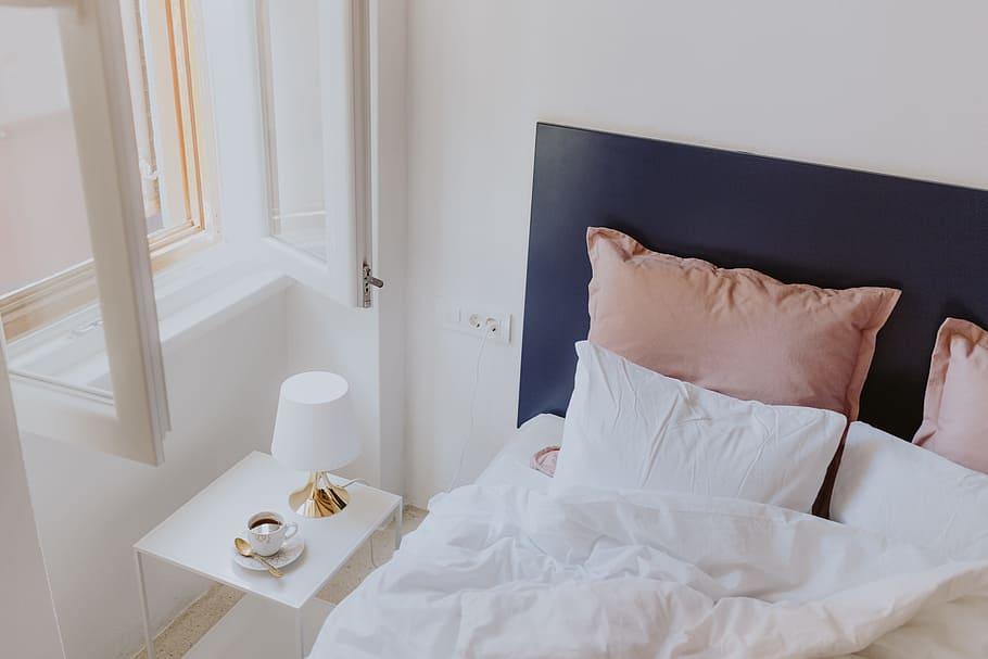Ghid pentru alegerea pernelor potrivite pentru un somn odihnitor